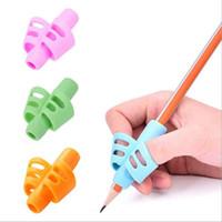 다채로운 연필 그립 펜 홀더 실리콘 베이비 학습 쓰기 도구 교정 장치 학습 파트너 학생 문구 연필 그립