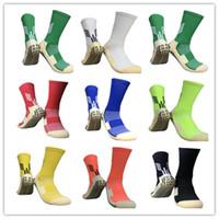 Nuovi arrivi calze da calcio da calcio antiscivolo calzini da calcio da calcio simili come i calzini Trusox per il basket che esegue il ciclismo da palestra da jogging