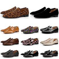 Haute Qualité Mode Mains Merrans Chaussures Chaussures Rouges Noir Brown Brown Suisse Cuir Rivets Loafe Robe De Mariage Chaussures de Business Taille 39-47