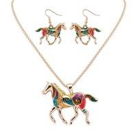 Einzigartiges Design Regenbogen-Pferd Halskette + Ohrringe Schmuck-Set für Frauen Mädchen handgemachte reizend Regenbogen Pferd Ohrringe und Halskette Set.