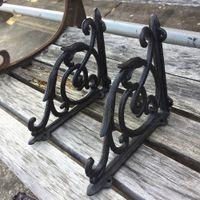 Een paar antieke stijl gietijzeren hekwerk beugels tuin beugels rustieke plank beugel zwart zware duurzame metalen ontwerp patio, gazon brace houders haken decor
