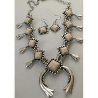 أقراط قلادة خمر الفضة لون زهر الاسكواش الزفاف الاشتباك مجموعة مجوهرات