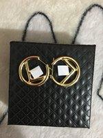 Hot New Style Orecchini Simple European E American Fashion Trendy Wild Round Letter Earrings Orecchini femminili Consegna veloce
