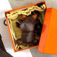 Designer Keychain 3D мультфильм животных вох творческий ключ цепи ключ кольца PU кожаная корова буква шаблон автомобиль сумка брелок с подарочной коробкой