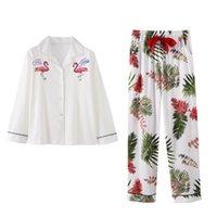 100% хлопок Pajamas набор женщин вышивка фламинго сексуальная пижама длинные рубашки длинные брюки 2 штуки / комплект домашний мода большие размеры пижамы 201103