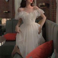 Bella Philosophie 2020 mesh Rüschen Slash Hals vor Schulter Schnürung up Frauen Sommer Koreanisches weißes Kleid Frauen Spaghetti Strap Kleider Y0118