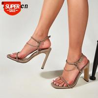 Eilyken أحدث سلسلة معدنية الديكور مشبك حزام الصنادل الصيف مثير إمرأة عالية الكعب الأزياء سكوير تو السيدات حزب أحذية # J91Z