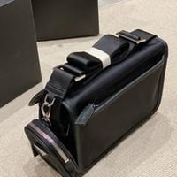 2021 رجل رسول حقيبة النايلون حقائب جديدة حقائب الكتف crossbody الجديدة المحافظ الشهيرة مع حقيبة تغيير صغير مع صندوق PD21010801