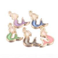 50pcs 11 * 32mm colorato scintillio glitter smalto pesci sirena charms per gioielli fai da te facendo ciondoli carini sirena accessori fatti a mano per gioielli