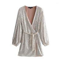 ZXQB Sequins V Boyun Elbiseler Kadın Moda Uzun Puf Kollu Elbise Mini Bayanlar Zarif Kravat Blet Bel Elbiseler Kadın Outfit1
