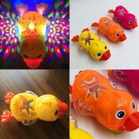 عالمي صغير بطة الكهربائية الإسقاط الكهربائية أدى ضوء البط الكرتون الموسيقى السباحة جميلة الأطفال لعبة luminescence بطة الساخن بيع 4 45dm p1