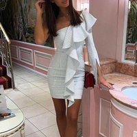 Una spalla a maniche lunghe in vita elastico Sexy Sexy Skew Ruffles Collo Bodycon Dress 2019 Summer Fashion Woman Party Striped Mini Dress1