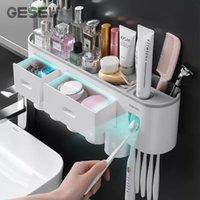 GEWEW Wandmontierte magnetische Zahnbürste Halter Wasserdichte Zahnpasta Squeezer für WC Automatische Spender Badezimmer Zubehör LJ201128