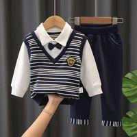 Англия Style Boys STRIPE OUTFITS 2021 Новые Детские Детские Галстуки Палачок в полоску С Длинным рукавом Поло рубашка + Случайные брюки 2 ШТ. Детский джентльмен устанавливает A5659