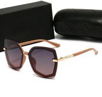 2021 أزياء المرأة النظارات الشمسية مربع الإطار نظارات أعلى جودة اللؤلؤ مجوهرات الأشعة فوق البنفسجية حماية النظارات الطليعي