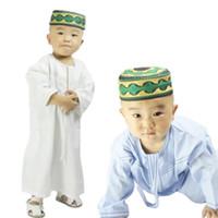 무슬림 소년 아바야 아이 카프 탄 이슬람 의류 소년 아랍어 주바 Thobe 1-3 세 유아 사우디 아라비아 자수 가운