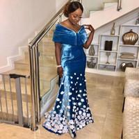 Blue Velvet Vintage Appliqued sereia Vestidos de noite 3D Off The Shoulder Neck Prom Vestidos Plus Size Trem da varredura EveningDress Formal