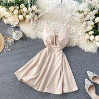 Gagaok Sexy Club 2020 Donne Mini Dress Dress Primavera Autunno New V Collo Spaghetti Strap Solid Impero Slim Chic Abiti moda selvaggio Y0118