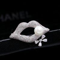 Européen de luxe micro-incrusté micro-incrusté zircon perle sexy lèvres broche bijoux tempérament femmes marquées de la marque haut de gamme zircon broche broches accessoires