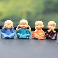 4pcs / set pequeño monje Figuras de coches Artesanía Decoración, Decoración del hogar Kungfu monjes Figura ornamento del coche Accesorios niño Buda 1007