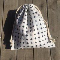 Opbergzakken 1pc Katoen Linnen Trekkoord Pouch Party Gift Bag Print Zwart Kruis YL420A