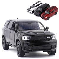Frete Grátis Novo 1:32 Dodge Durango Liga Carro Modelo Diecasts Toy Veículos Brinquedo Carros Garoto Brinquedos Para Crianças Presentes Boy Toy X0102