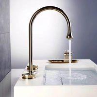 Torneiras da pia do banheiro Bacia torneira de ouro latão 3 furos dupla banheira de banho de luxo torneira de banho e misturador de água fria