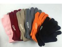 Moda Unisex iGloves teléfono móvil colorido guantes Tocados mujeres de los hombres de invierno manoplas Negro Caliente Smartphone de conducción Guante 2pcs un par 2020