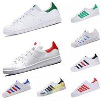Las mejores zapatillas de deporte de la moda Stan Smith 2021 Nueva plataforma de llegada plana zapatos casuales de cuero blanco verde superestrellas de diseño de zapatos deportivos al aire libre