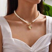 Collana del pendente del medagliogramma del cuore del cuore dell'oro per le donne di imitazione delle perle della collane del choker femminile 2021 gioielli di modo Nuovo arrivo