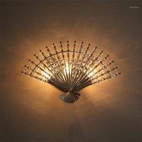 Lámpara de pared de cristal en forma de fan en forma de chino MODERNA LED LED Dormitorio creativo Luz de pared LED para la decoración de la sala de estar Iluminación de escoce1
