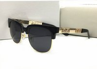 Gafas de sol de estilo de verano para hombres Moda Mantenga Medio Marco Gafas de sol UV400 Lente transparente y lente de recubrimiento Oculos de sol con caja