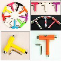 Tablero de la herramienta T Tablero de la herramienta Accesorios de patín de la mano Rodamiento de la llave inglesa de hierro plástico Multi Color Llave 2 5GY G2