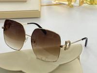 243SR Nuevas para mujer Gafas de gato con encanto Gafas de sol Señoras Gafas de moda Placa Cat de gato rectangular Marco de gafas UV Protección de UV Gafas de sol Enviar caja