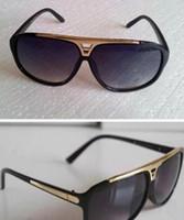 1pcs di alta qualità Brand Sun Glasses Evident Sunglasses Designer Glasses Eyewear Mens Donne Occhiali da sole neri lucidati Viene fornito con scatola scatola