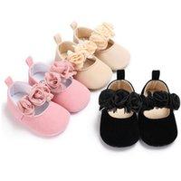 طفل طفل الأميرة أحذية سرير أحذية عربة لينة وحيد أحذية Prewalker المضادة للانزلاق الرضع كيد الأولى ووكر أحذية رياضية مع الزهور