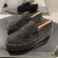 Austrália Plataforma de Luxo Mens Sapatos Casuais de Alta Qualidade Nova Moda Sapatilhas Vermelho Bottom Slip-on Silver Spikes Adorn Toecap Tamanho 40-46