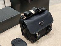2021 En iyi Tasarımcı Lüks Omuz Çantaları Yüksek Kalite Naylon Çanta Bestselling Cüzdan Kadın Çanta Erkekler Crossbody Çanta Çantalar Messenger Çanta