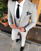 مخصص رفقاء زر واحد البدلات الرسمية العريس الذروة طية صدر السترة الرجال بذلات الزفاف / حفلة موسيقية / عشاء أفضل رجل السترة (سترة + سروال + التعادل + الصدرية) G33