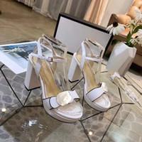 Classics Women Shoes Sandals Fashion Playa Playa Grueso Abajo Zapatillas Alfabeto Lady Sandals Cuero Tacón alto Zapatos Diapositivas 25