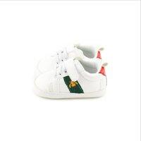 2021 Baby Shoes Newborn Boys Girls First Walkers Kiddlers PU Sneakers Shoes Blanco Venta al por mayor y al por menor