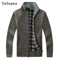 YutwPez Men's Casual Coats Hiver Fashion Marque Mens Hommes Cardigan Poches High Collier High Collier Tricot Outwear manteau Pull Male 201211