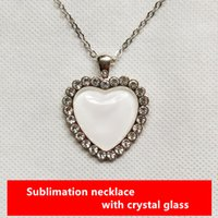 Collana di sublimazione Gioielli di moda a forma di cuore per la stampa del trasferimento di calore Dye fai da te con vetro di cristallo in bianco e adesivo