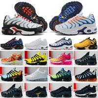 2018 Çocuklar Koşu ayakkabı Üçlü siyah Bebek Sneakers Gökkuşağı Çocuk spor ayakkabı kızlar ve erkekler Yüksek kaliteli Tenis eğitmenler