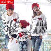 Beke mata família combinando roupas mola listrada matriz mãe filha veste família olhar pai sweater sets y200713