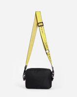 2323 Neue 2020 Marke Mini Männer aus gelbem Segeltuch Gürtel weiße Umhängetasche PU Brusttasche Taschen Taschen Multi Zweck Satchel Umhängetasche Messenger