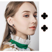 Vente en gros Designer Boucles d'oreilles argent 925 Boucles d'oreilles plaqué Petit Trèfle à quatre feuilles charme Boucles d'oreilles pour femmes Bijoux