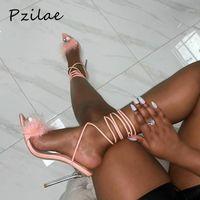 PZILAE NOUVEAU ÉTÉ SUMENT FEMMES Sandales Sandales Cross Cross Cross Transparent Talons High High Talons Chaussures Peep Toe Feather Sexy Dames Fête Chaussures1