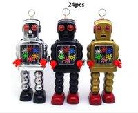 Venta caliente 24pcs juguetes mecánicos Restauración de antiguas formas de la vendimia mecánica de viento de hasta metal Walking Robot de estaño para adultos colección de juguete de regalo de los niños