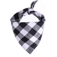 Cão bandana xadrez única camada pet lenço triângulo bibs kerchief pet acessórios babadores para pequenos grandes cães natal presentes zzc4324